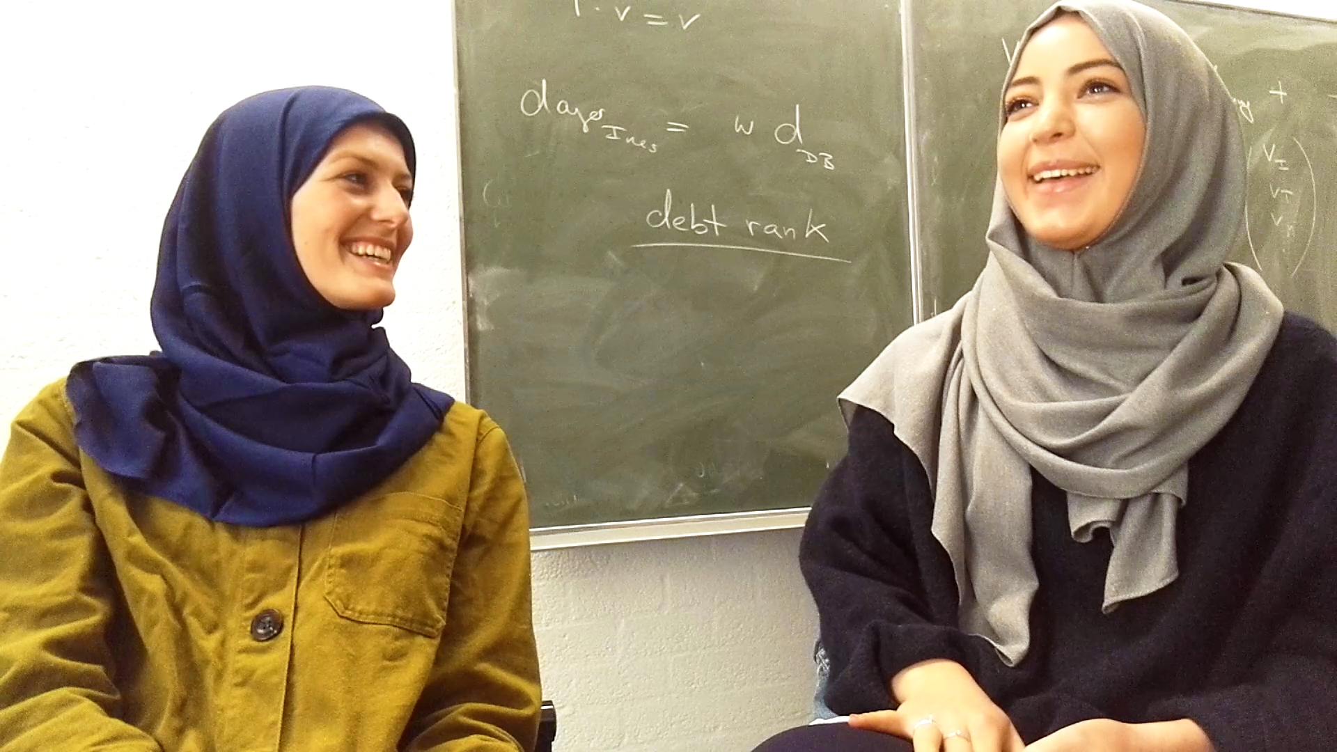 Under the Veil; different sides of the Hijab, Project, seven days with a headscarf by Vera IJzelenberg
